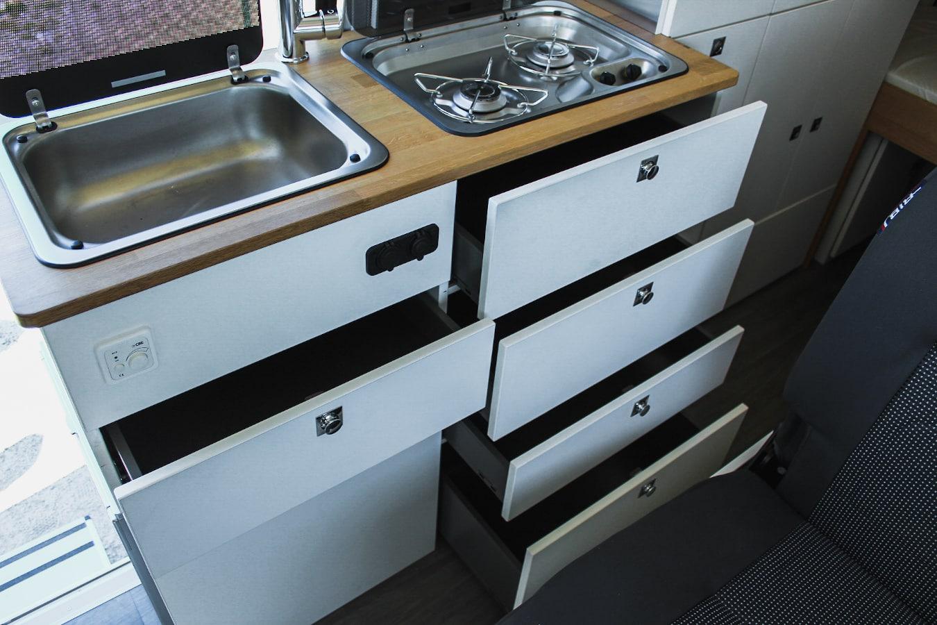 tiroirs meuble cuisine van aménagé