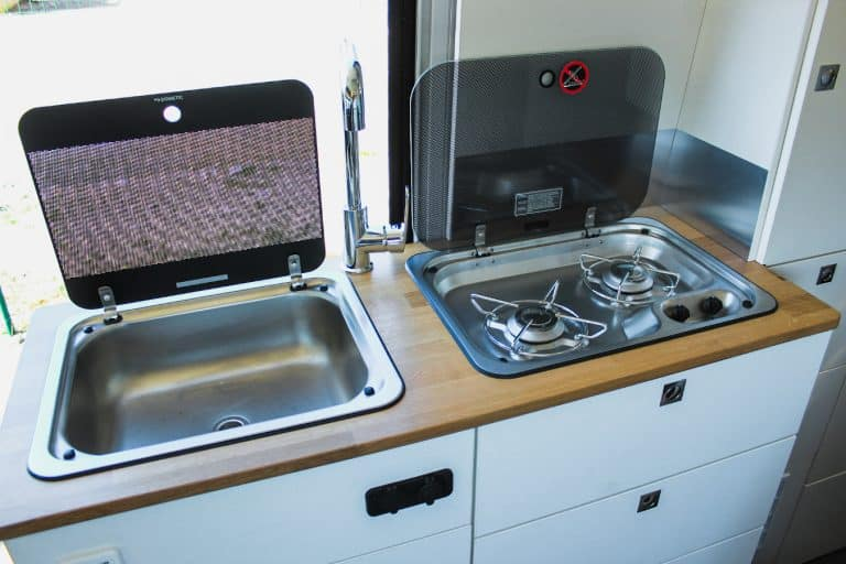 évier et table de cuisson dometic