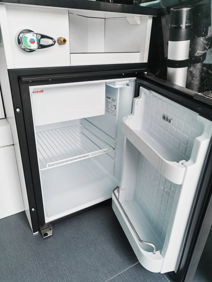frigo cuisine van